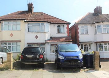 Thumbnail Room to rent in Sandringham Gardens, North Finchley