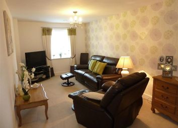 Thumbnail 2 bed flat for sale in Brighton Road, Horsham, West Sussex