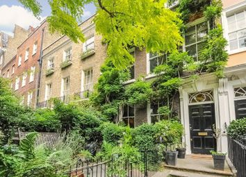 Kensington Square, London W8. 4 bed terraced house for sale