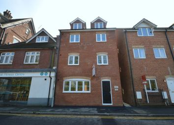 Thumbnail 2 bedroom flat to rent in Kings Road, Haslemere