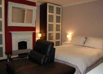 Room to rent in Park Road, London N8