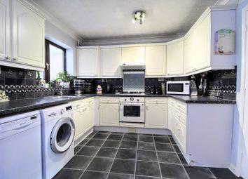 3 bed detached house for sale in Sidlaw Court, Fullers Slade, Milton Keynes MK11