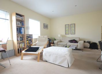 Thumbnail 1 bedroom flat to rent in Gweal Avenue, Reading