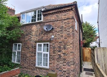 3 bed end terrace house to rent in Elmcroft Crescent, London NW11
