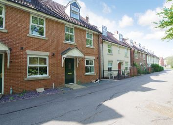 Thumbnail 3 bed town house to rent in Lavina Walk, Taw Hill, Swindon