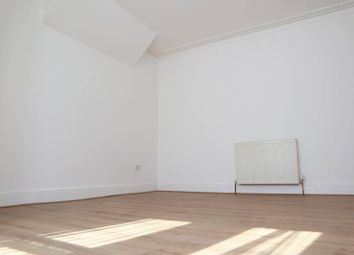 Thumbnail Room to rent in Arilie Gardens, Ilford