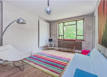 Thumbnail 3 bed flat to rent in Rosebery Avenue, Islington, London