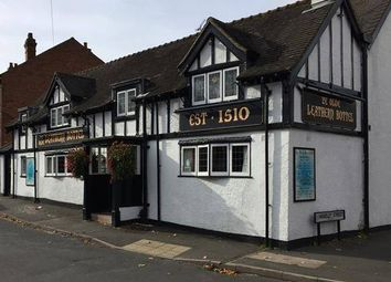 Thumbnail Pub/bar to let in Vicarage Road, Wednesbury