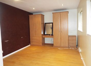 Thumbnail Room to rent in Whitmore Way, Basildon