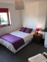 Thumbnail Room to rent in Elsenham Crescent, Basildon