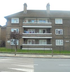 2 bed maisonette to rent in Kingsman Street, Woolwich, London SE18
