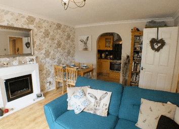 2 bed flat for sale in Emerson Court, Crowthorne, Berkshire RG45
