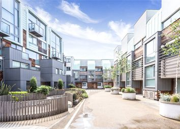 Thumbnail 2 bed flat for sale in Peacock Place, London