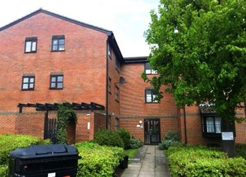 Thumbnail Studio to rent in Gladbeck Way, Enfield