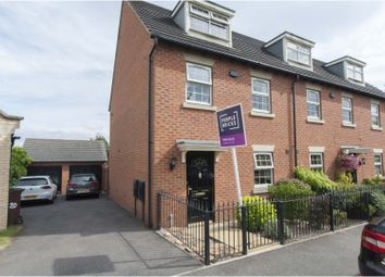 3 bed town house for sale in Hawthorne Drive, Rotherham S63