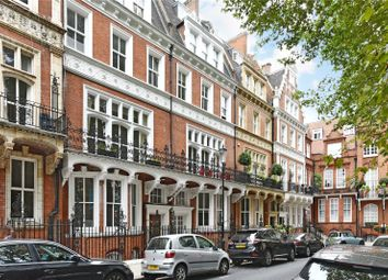 Thumbnail 2 bed property to rent in Kensington Court, London
