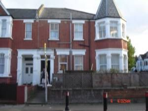 Melrose Avenue, Willesden Green NW2. 2 bed flat