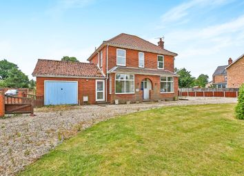 Thumbnail 3 bed detached house for sale in Norwich Road, Dereham