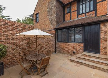 Thumbnail 2 bed flat for sale in Windsor End, Beaconsfield