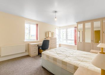 Thumbnail Flat to rent in Bartholomew Court, Canary Wharf