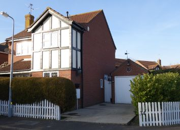 Thumbnail 3 bedroom detached house to rent in Beaumont Close, Colchester