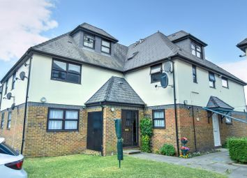 Thumbnail 2 bed flat to rent in Grove Road, Mitcham