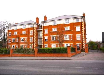 2 bed flat to rent in 115 Warwick Road Solihull West Midlands, Birmingham B92, Solihull