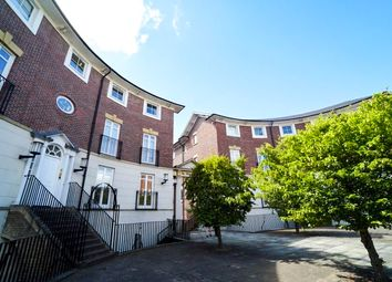2 bed flat to rent in The Yonne, Chester CH1
