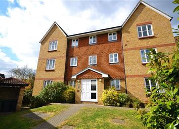 Thumbnail 2 bedroom flat for sale in Highgrove Mews, Grays