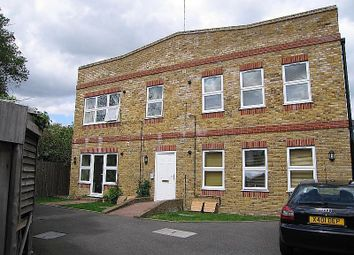 1 bed flat to rent in Chestnut Grove, New Malden KT3