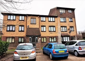 Thumbnail 2 bedroom flat for sale in Conway Gardens, Grays