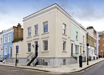 3 bed property to rent in Callcott Street, London W8
