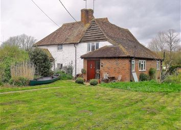 Thumbnail 2 bed cottage to rent in Frogmill Spinney, Hurley, Berkshire