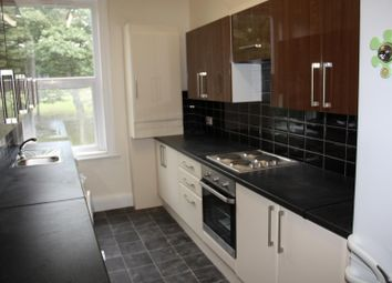 Thumbnail 6 bed flat to rent in Flat 2, 205 Hyde Park Road, Hyde Park