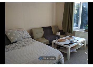 1 bed flat to rent in Berrylands Road, Surbiton KT5