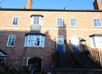 Thumbnail 2 bedroom flat to rent in Warwick New Road, Leamington Spa