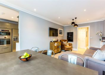 Northfield Close, Henley-On-Thames, Oxfordshire RG9. 3 bed flat