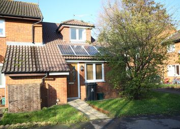 Thumbnail 2 bed flat to rent in Hamble Walk, Woking