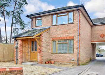 Thumbnail 1 bed terraced house to rent in Horsham Road, Crawley