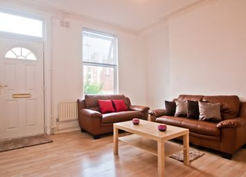 2 bed property to rent in Pennington Grove, Hyde Park, Leeds LS6