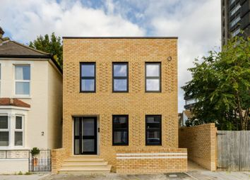 Thumbnail 1 bed flat for sale in Howley Road CR0, Croydon,