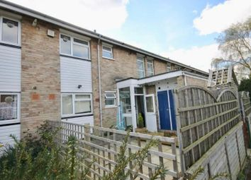 Thumbnail 2 bed flat to rent in Hazel Close, Englefield Green