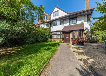 Great North Road, Highgate, London N6. 3 bed flat