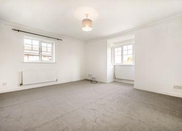 2 bed flat to rent in Twynersh Avenue, Chertsey KT16