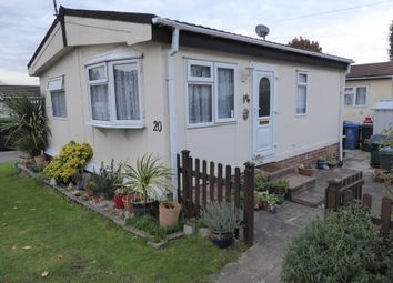 Thumbnail 1 bedroom mobile/park home for sale in Ascot Park, Blythewood Lane, Ascot, Berkshire