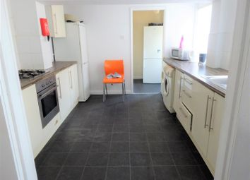 Thumbnail 4 bed terraced house to rent in Rosebery Avenue, Newland Avenue, Hull