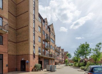 Thumbnail 2 bedroom flat for sale in Amsterdam Road, Isle Of Dogs