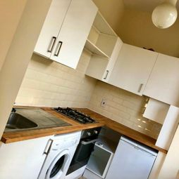 Thumbnail 1 bed flat to rent in Lucien Road, Tooting Bec, London