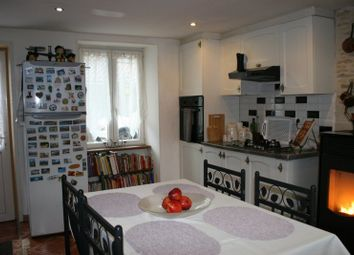 Thumbnail 2 bed chalet for sale in Poitou-Charentes, Charente, Benest