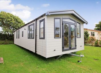 Thumbnail 2 bed mobile/park home for sale in Oaklands Park, Polperro Road, Looe